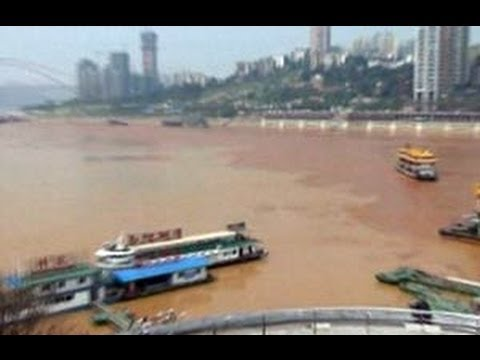 China's Yangtze river turs scarlet