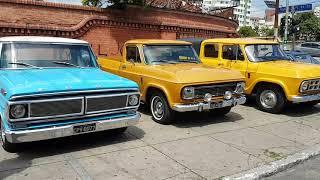 Encontro de carros antigos - Estação da Luz - São Paulo