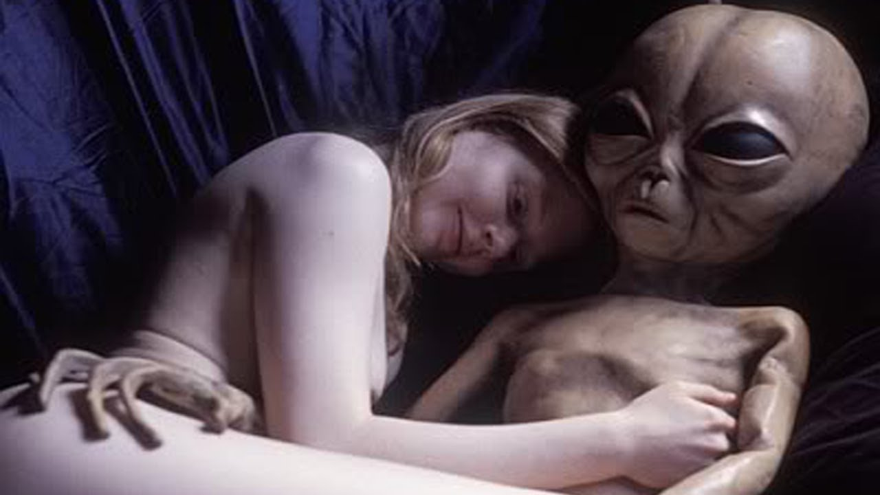 Alien girl sex nude pic with man naked photo