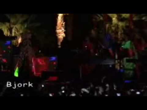 Bjork - Coachella Festival 2007 (Earth Intruders)