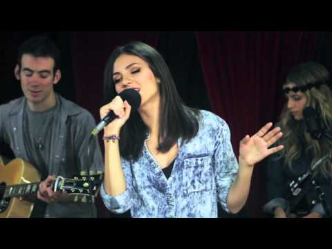 Victoria Justice - 