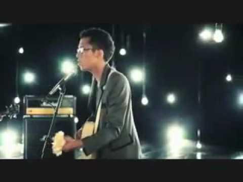 Sezairi Sezali - Broken Music Video + Lyrics & Download Link!!