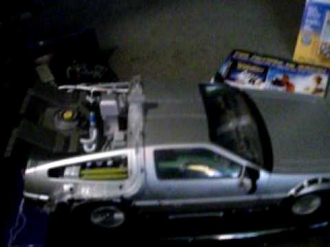 Diamond Select Light-Up Back to the Future Part 1 DeLorean Review