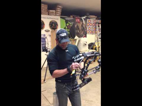 Cam's 90# Hoyt Faktor 30 - loaded for buffalo!!!