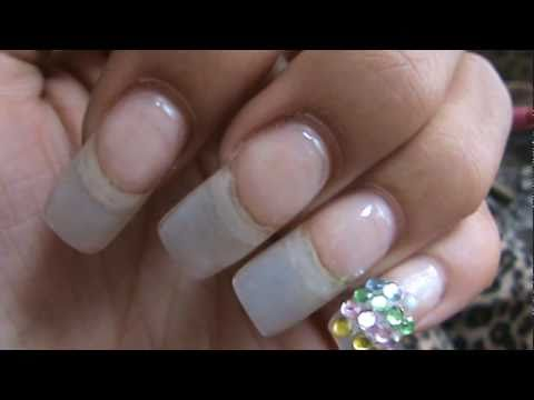 Gel Nails are better than Acrylic Nails - YouTube