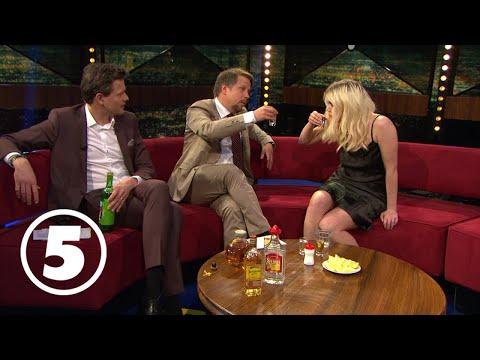 Little Jinder dricker tequila och gör succé i Breaking News med Filip & Fredrik