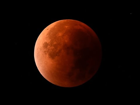Blood Moon Prophecy Manufactured or of the Lord?/Christian Living in America
