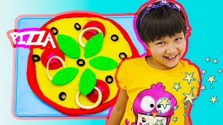 Little Girl makes Pizza with Play Doh Education Video