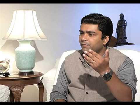 Natwar Singh calls former PM Manmohan Singh a 'CHAMCHA' of Sonia Gandhi. segment 03