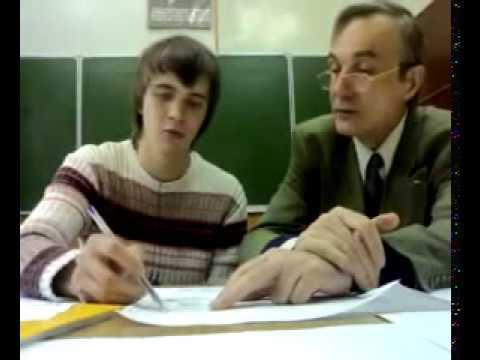 Преподаватель по черчению учит студента уму разуму)))