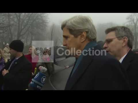 UKRAINE:KERRY ARRIVES AT SHRINE TO FALLEN IN KIEV