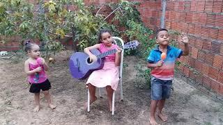 Crianças louvando a Deus(2)