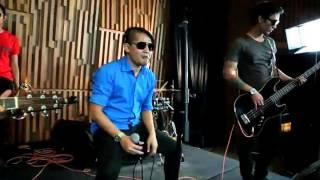 Download lagu Tipe-x - kamu ngga sendirian (acoustik) X-tv gratis