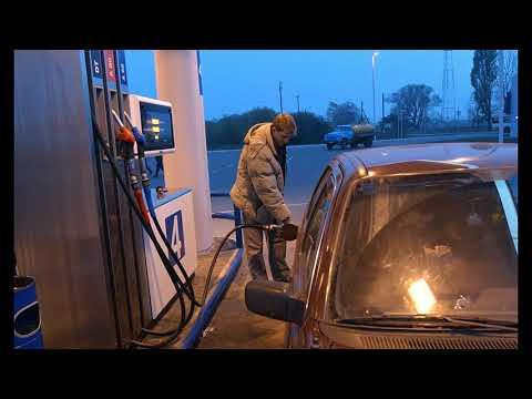 АЗС мелькие в 2019 ЗАКРОЮТ бензин подорожает Россия бензин цена