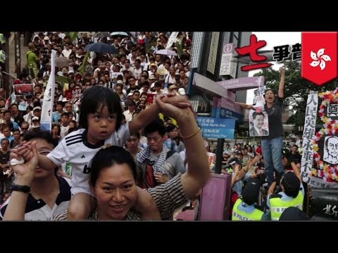 Hong Kong democracy protest: Half a million rally against Beijing