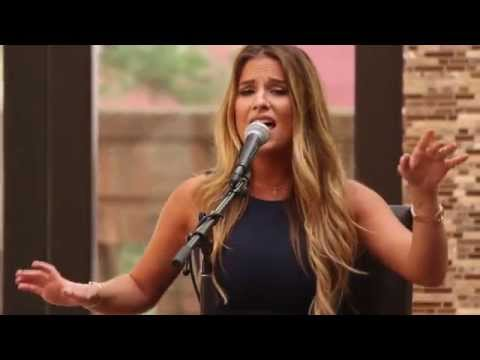 Jessie James Decker - Clint Eastwood (Live@CMA)