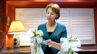 How To - Floral Arrangement Tips For Weddings - Pew Bows