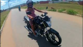 Minha namorada pilotando a minha moto☠️😱