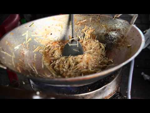 How to make Pad Thai - Pattaya street food