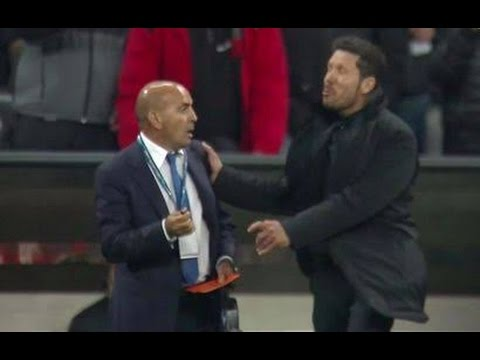 Diego Simeone hits referee | Simeone hits assistant? | Bayern Munich vs Atletico Madrid 2-1