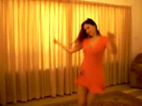 رقص سکسی دختر ایرانی  عطرگل تو thumbnail