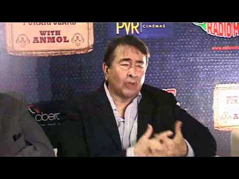 Watch Amrita Rao - Randhir Kapoor - Rajeev Kapoor At The Screening Of Awara