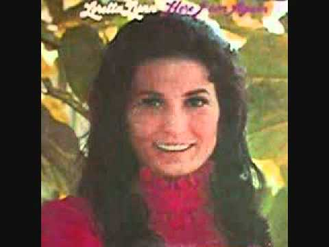 Loretta Lynn - Manhattan Kansas