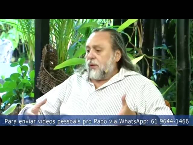 """Caio explica o mecanismo psicológico que faz religiosos precisarem de grupo: """"sentir Deus""""."""