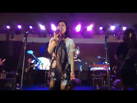 Download I will survive - Indah Kurnia | pecah dan heboh | 60 th SMA 5 Surabaya | 29 Oktober 2017 Mp4 baru