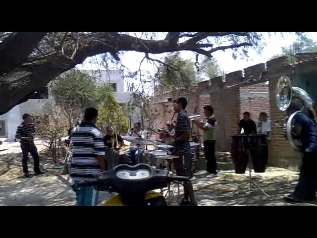 Banda marinitos - pelea de gallos-001.mp4