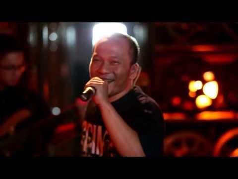 download lagu Iwa K - Bersamamu Have A Good Time Live At  Everywhere ** gratis