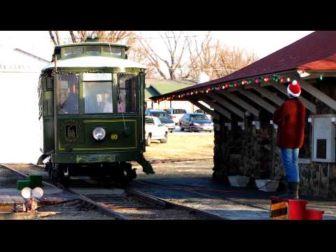 thelope.com - Webb City, Mo, Polar Bear Express comes into station