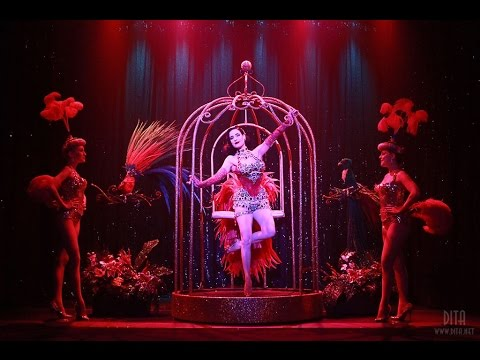 Dita Von Teese - Burlesque: Strip, Strip HOORAY!