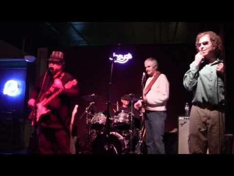 Darryl Hewitt Blues Band - Playing Lonnie Mack