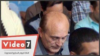 بالفيديو.. شاهد الفنان محمد صبحى يؤدى صلاة الجنازة على الراحل خليل مرسى