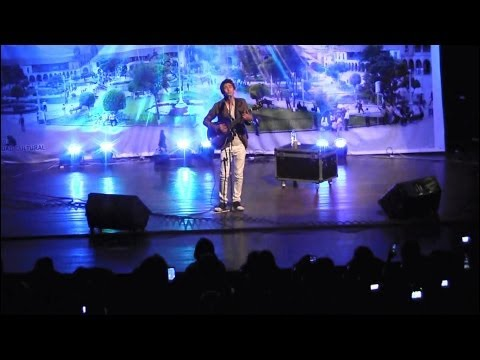 Daniel Lazo - Ojos Azules, Adios Pueblo de Ayacucho (En concierto)