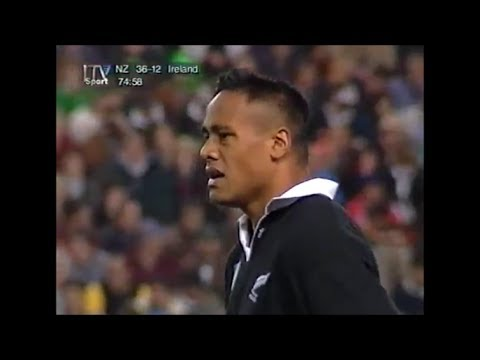 Jonah Lomu creates carnage vs British Isles at RWC 1995