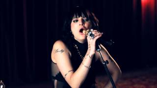 Клип Juliet Simms - Wild Child (acoustic)