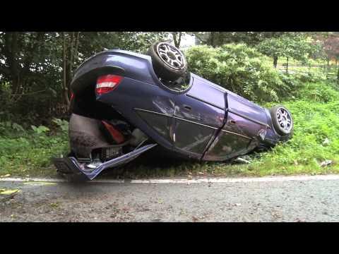 Nach Verkehrsunfall Kennzeichen abgeschraubt und geflüchtet
