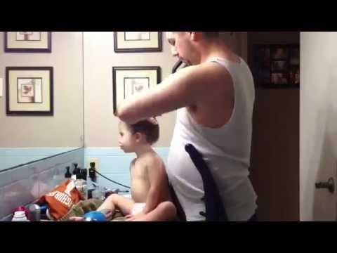 мама делает куни своей дочке