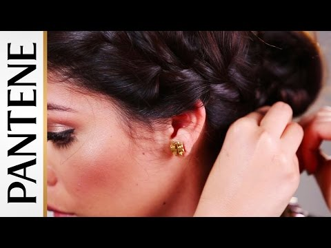 2014 Red Carpet Hairstyles: Braided Crown with Sccastaneda