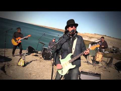 Más enamorado que nunca, Javier Calamaro presenta su octavo disco
