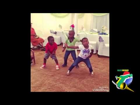 New SA kids dancing 2017(Gwara gwara and bhenga) thumbnail