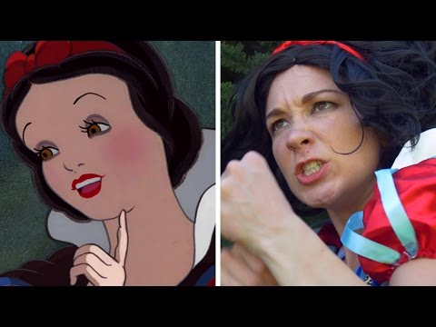 What If Disney Princesses Were Fighters ? Elsa Vs. Snow White
