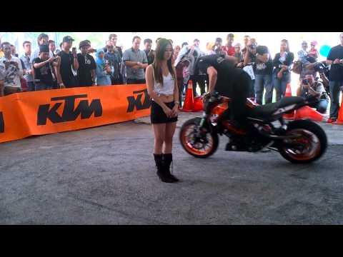 Rok Bagoros - KTM 125 Duke Stunt KL Motoexpo 2012