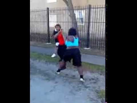 Hood Brawl Girl Fights Like A Man! video