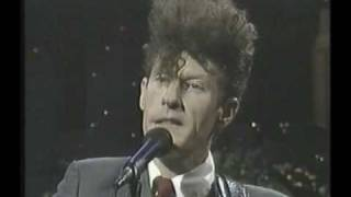 Watch Lyle Lovett Skinny Legs video