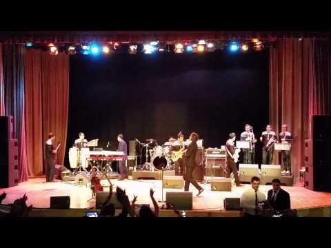 Mohsen Yeganeh - Ahay Khabar Nadari (live in London)