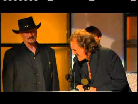 Traffic accepts award Rock and Roll Hall of Fame inductions 2004