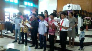 download lagu Koor Trinity Choir Hkbp Palangkaraya,  He Loved Me gratis